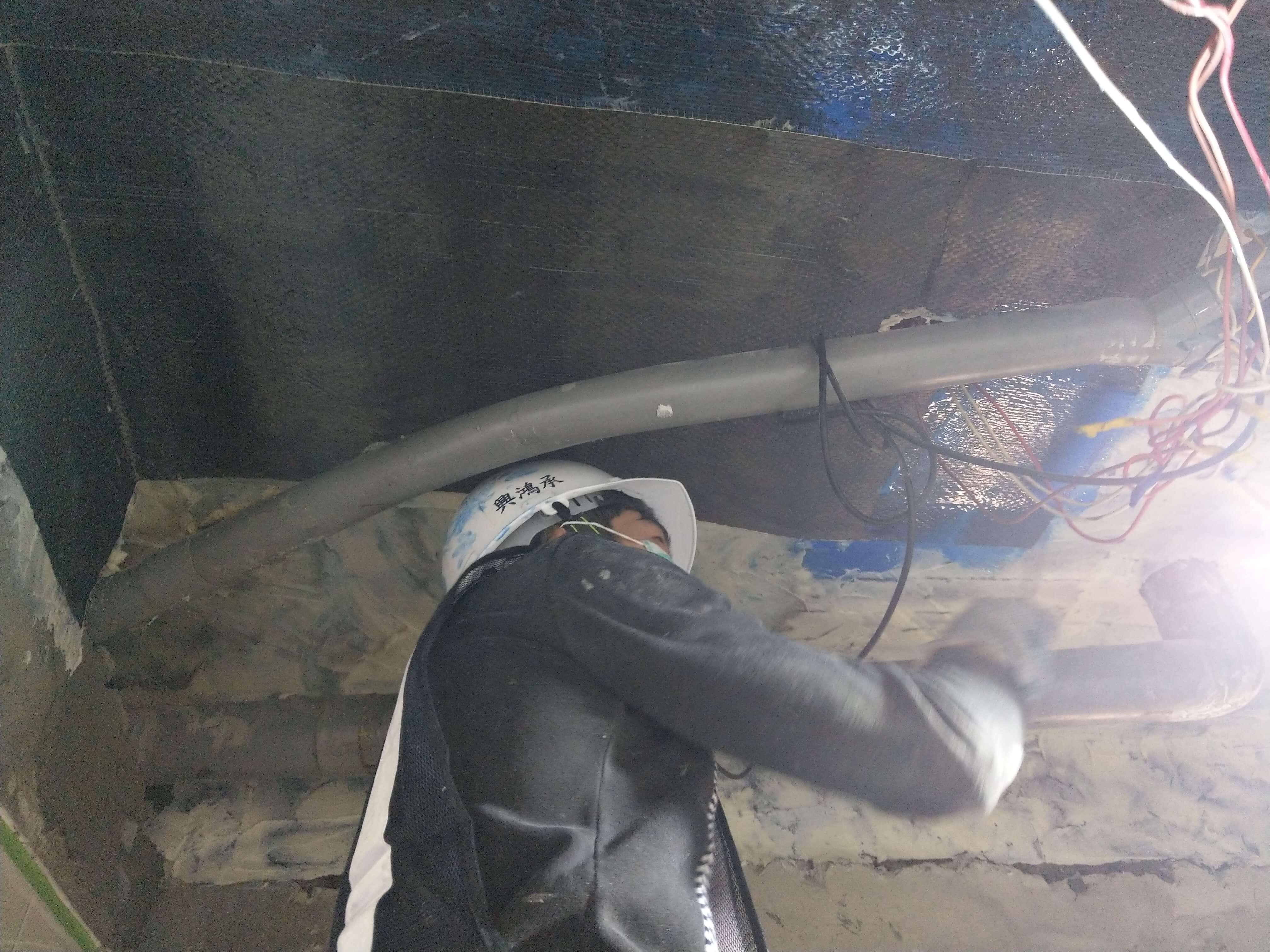 2施工實錄7碳纖維積層樹脂塗布