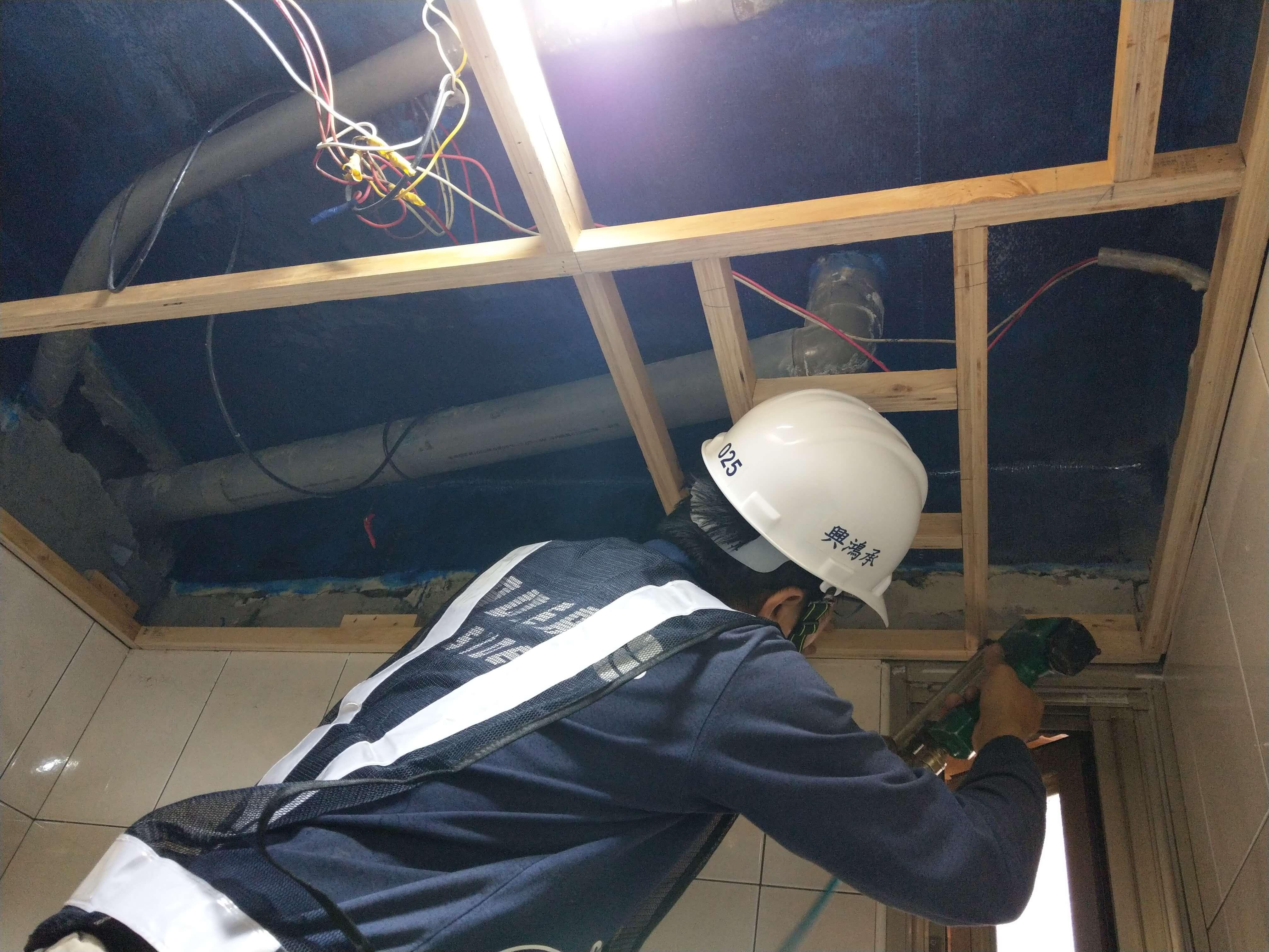 2施工實錄9PVC天花板施作
