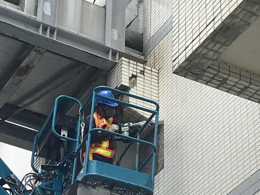2.H型鋼施作處打除